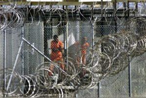 presos-supuestamente-relacionados-con-la-red-terrorista-de-al-qaeda-en-la-prision-estadounidense-de-guantanamo-efe_595_398_164917